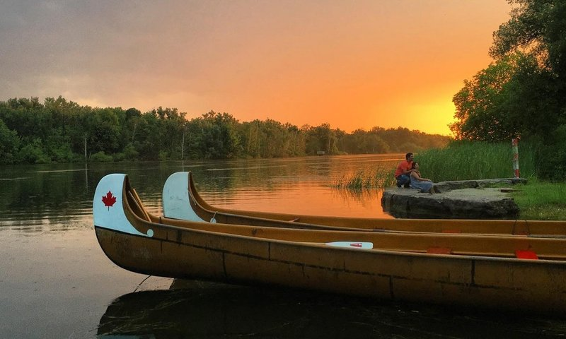 Canada Canoe.jpg