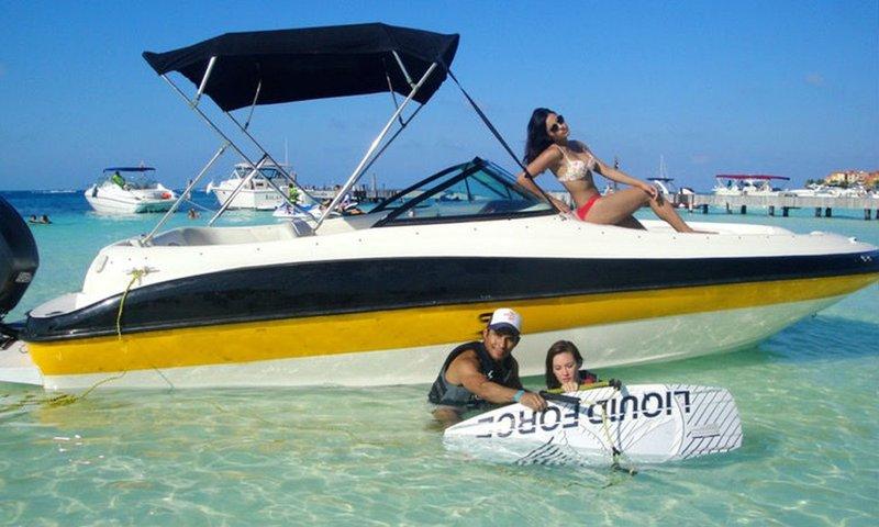 Cancun motor yacht.jpg