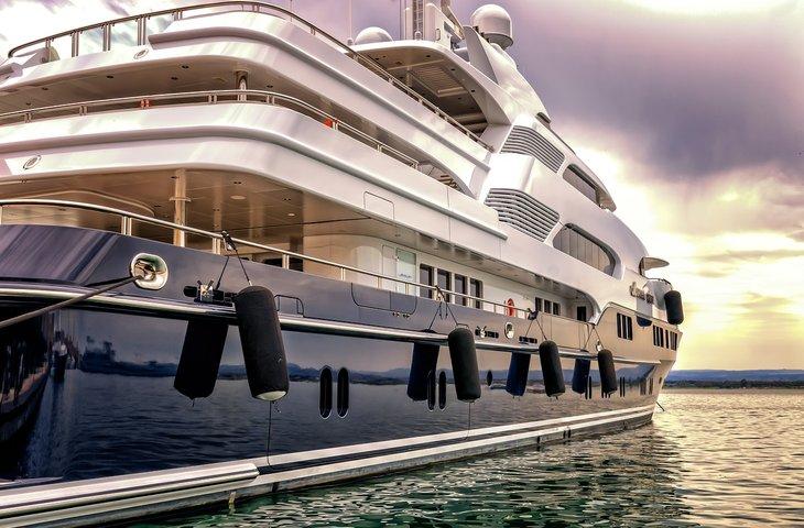 Classic Yacht.jpg