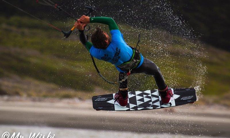 Kitesurfing Auckland.jpg