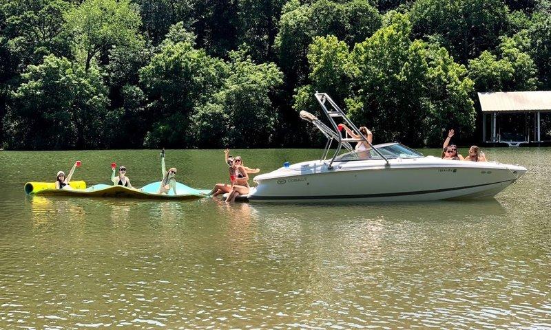 Lake Austin Powerboat.jpg