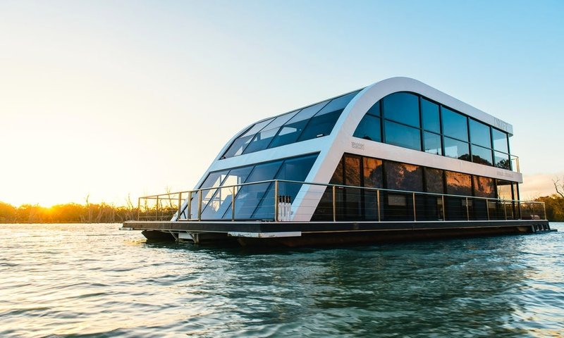 Luxury Houseboat in Australia