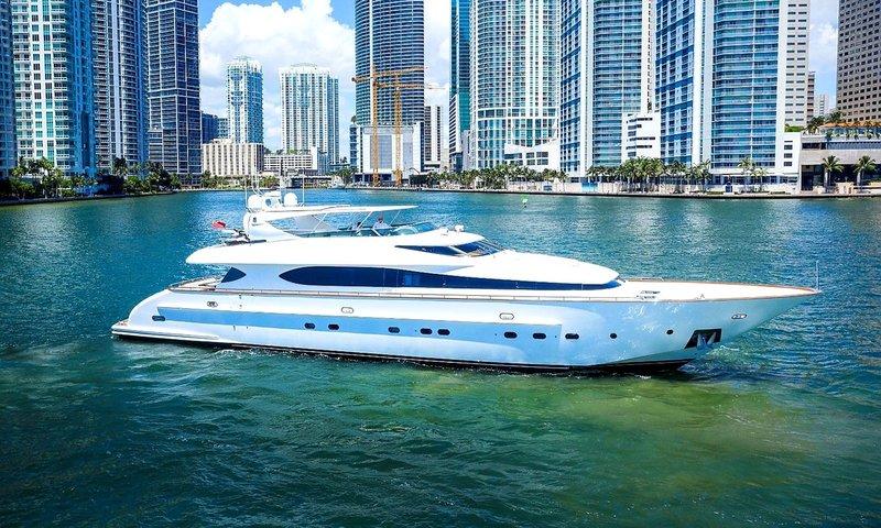 Miami Yacht.jpg