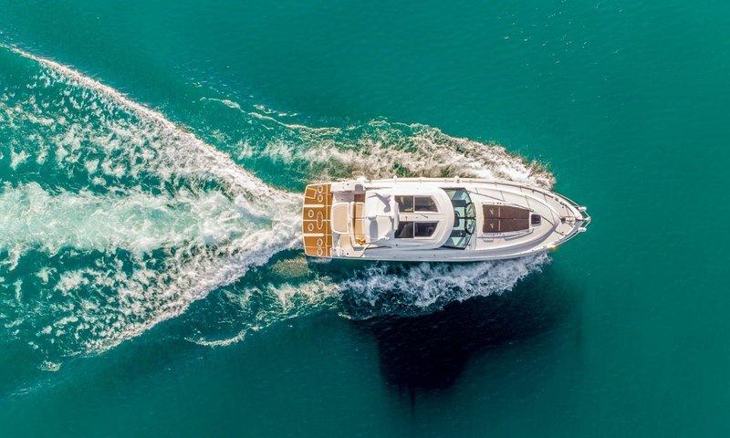 Motor Yacht Lake Travis Bach.jpg