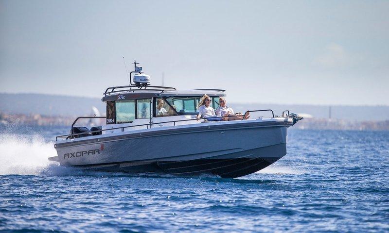 Newport Sport Yacht.jpg