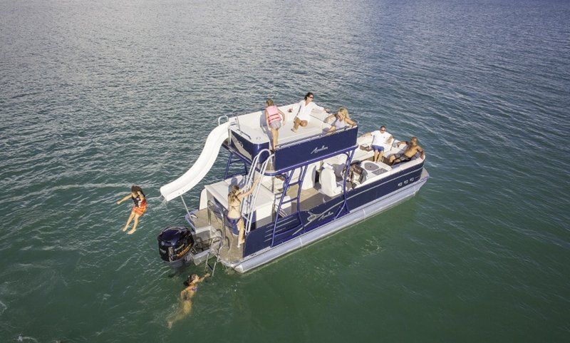 Pontoon Lake Travis.jpg