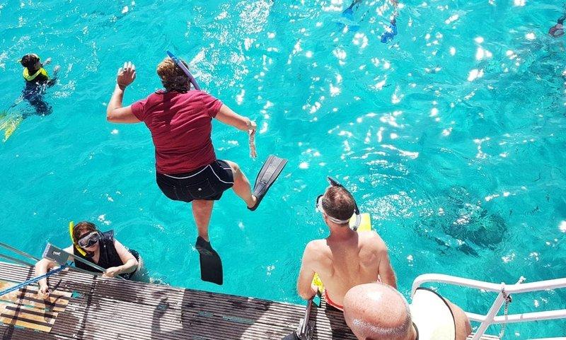 amazing aruba snorkeling trips