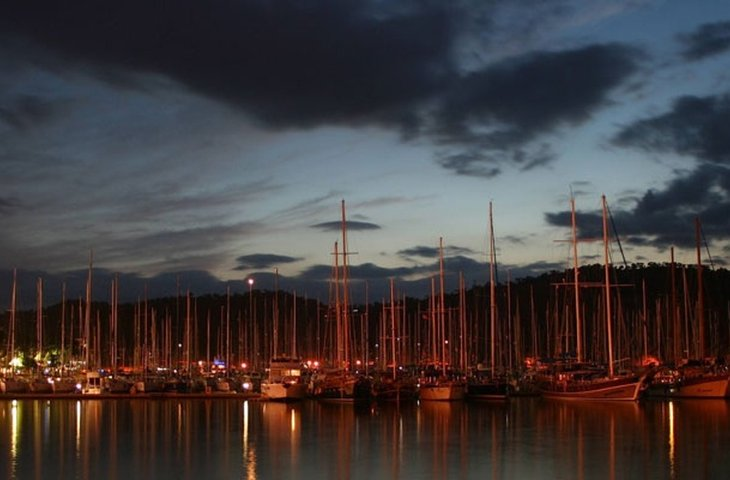 boats docked at night.jpg