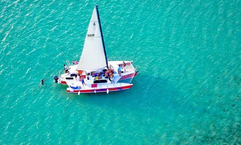 caribbean sailing holiday