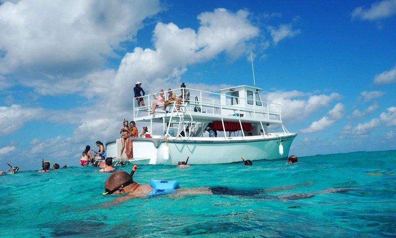 cayman island snorkeling trips