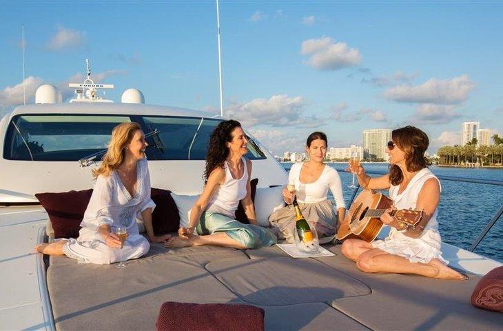celebrity boat rental
