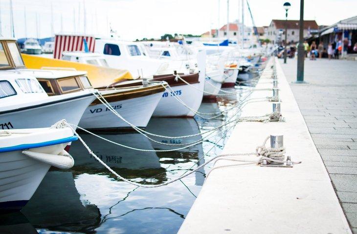 dock boat.jpeg