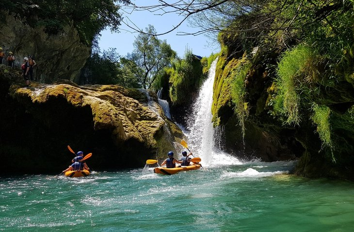 kayak safari_boat-rentals-donji-cerovac-karlovaaka-zupanija-0-processed (1) (1).jpg