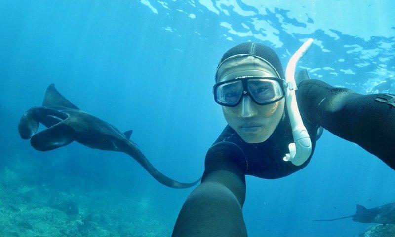 snorkeling with stingrays